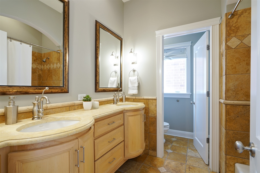 Real Estate Photography - 2335 N. Southport, Chicago, IL, 60614 - 2nd Bathroom