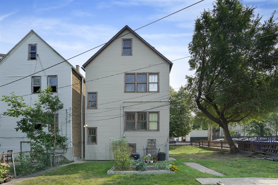 Real Estate Photography - 1914 N Rockwell, Chicago, IL, 60647 - Rear View