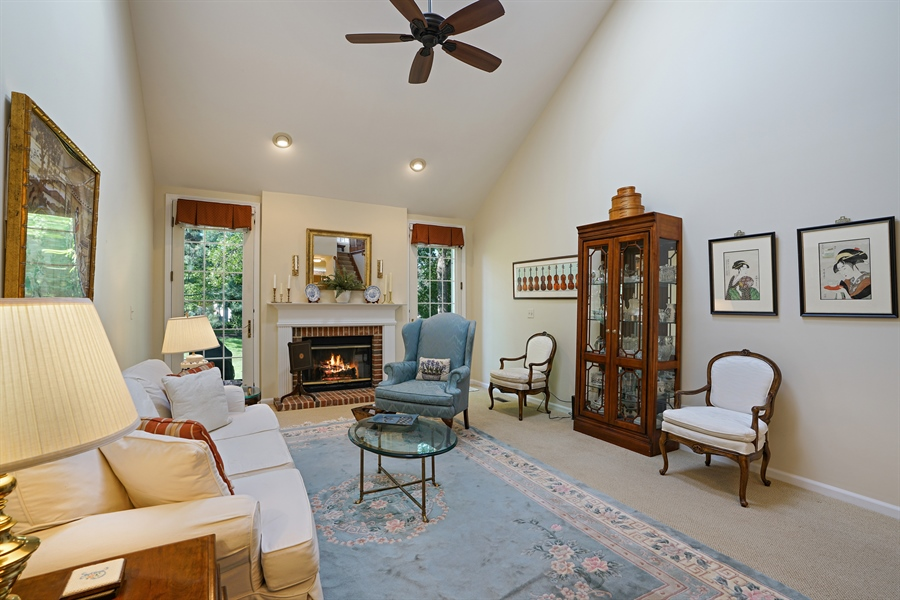 Real Estate Photography - 2118 Trowbridge Ct, Glenview, IL, 60026 - Living Room