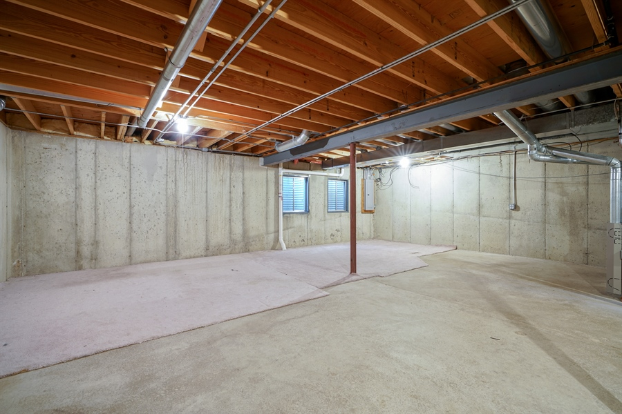Real Estate Photography - 2118 Trowbridge Ct, Glenview, IL, 60026 - Basement