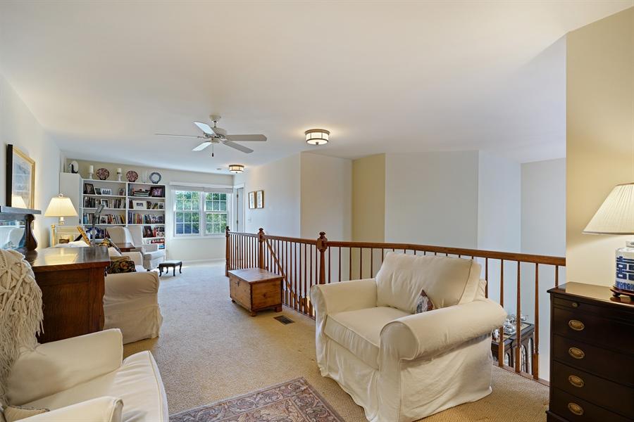 Real Estate Photography - 2118 Trowbridge Ct, Glenview, IL, 60026 - Loft
