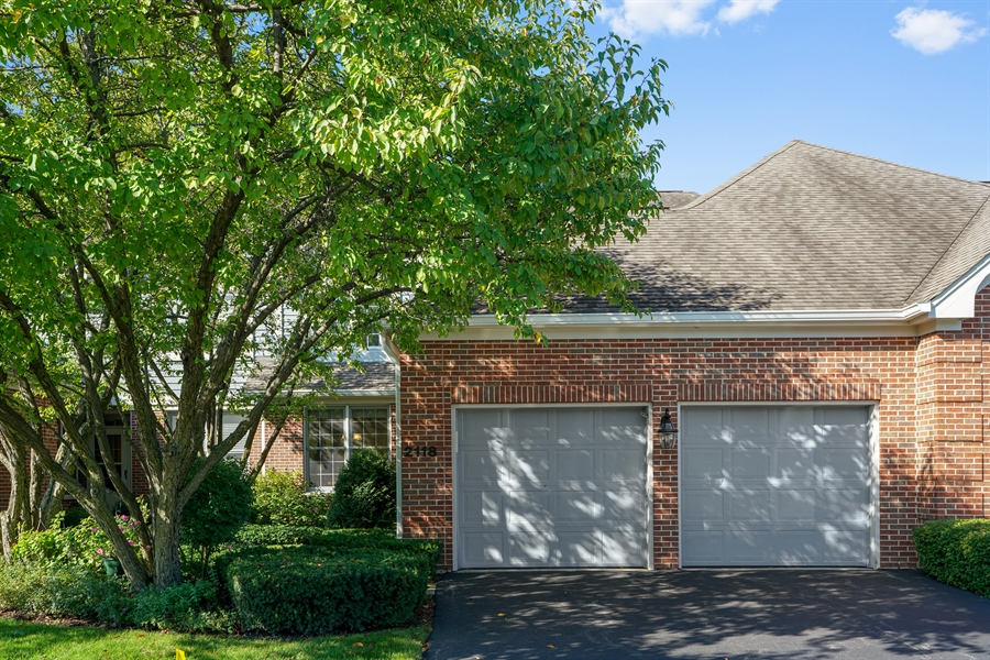 Real Estate Photography - 2118 Trowbridge Ct, Glenview, IL, 60026 - Front View