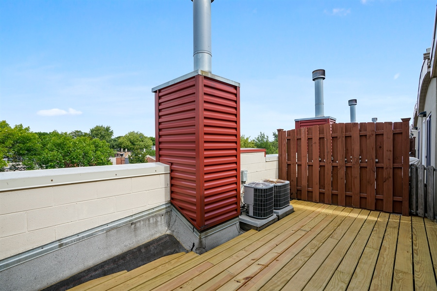 Real Estate Photography - 2145 W Churchill St, Chicago, IL, 60647 - Roof Deck