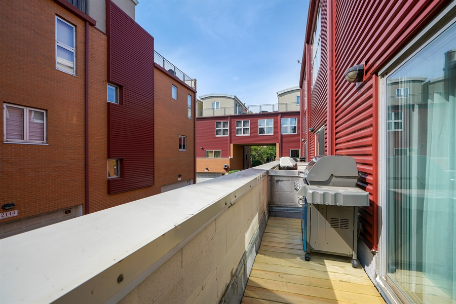Real Estate Photography - 2145 W Churchill St, Chicago, IL, 60647 - Deck