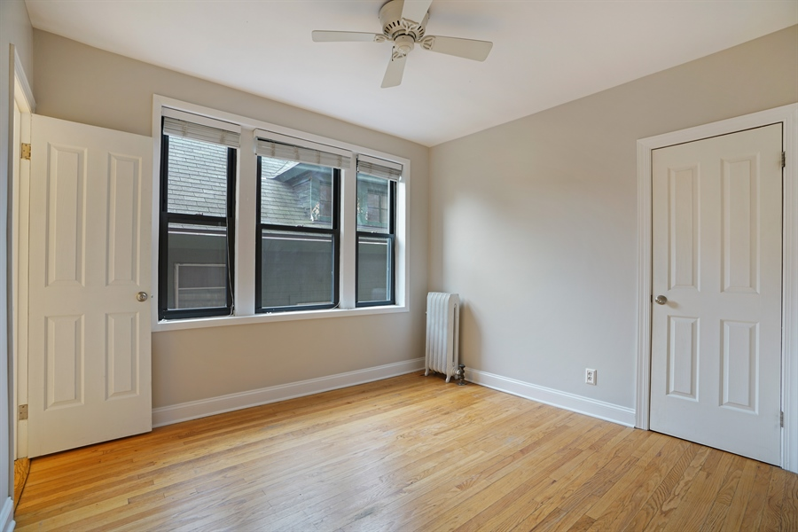 Real Estate Photography - 6828 N Lakewood Ave, Unit #2, Chicago, IL, 60626 - 2nd Bedroom
