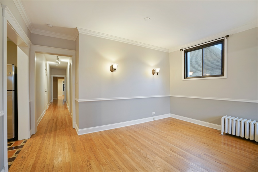 Real Estate Photography - 6828 N Lakewood Ave, Unit #2, Chicago, IL, 60626 - Dining Room