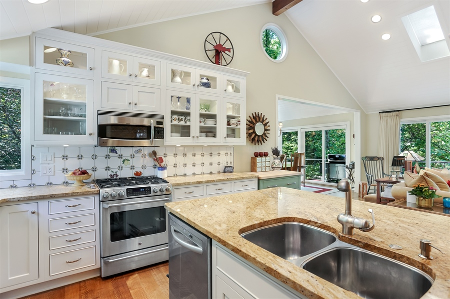 Real Estate Photography - 9836 Weko Drive, 21, Bridgman, MI, 49106 - Kitchen