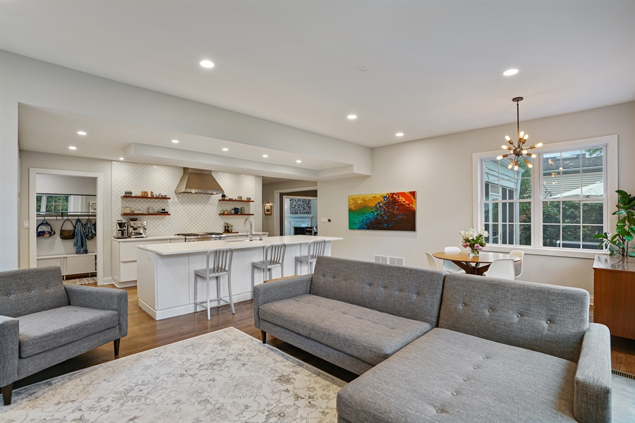 Real Estate Photography - 2400 Greenwood Ave, Wilmette, IL, 60091 - Family Room / Kitchen