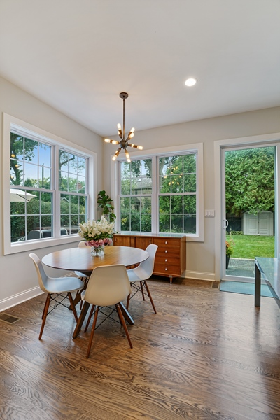 Real Estate Photography - 2400 Greenwood Ave, Wilmette, IL, 60091 - Dining Area