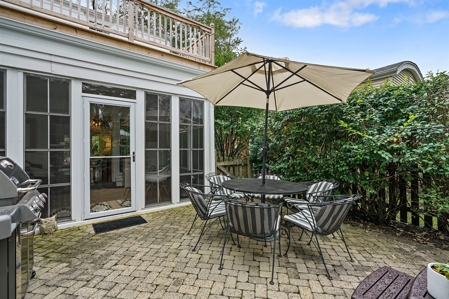 Real Estate Photography - 2400 Greenwood Ave, Wilmette, IL, 60091 - Patio