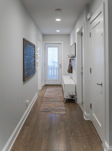 Real Estate Photography - 2400 Greenwood Ave, Wilmette, IL, 60091 - Mudroom