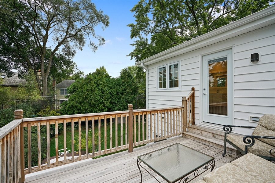 Real Estate Photography - 2400 Greenwood Ave, Wilmette, IL, 60091 - Balcony