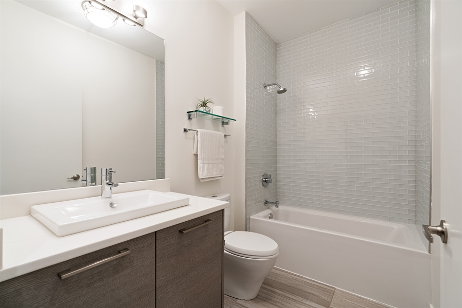 Real Estate Photography - 1611 N Hermitage Ave, Unit #302, Chicago, IL, 60622 - Bathroom