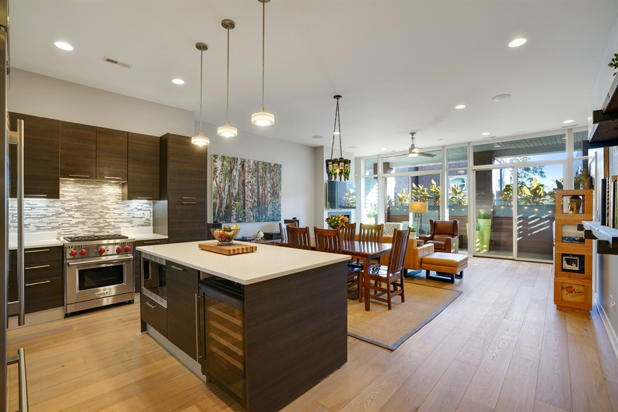 Real Estate Photography - 1611 N Hermitage Ave, Unit #302, Chicago, IL, 60622 - Kitchen / Living Room