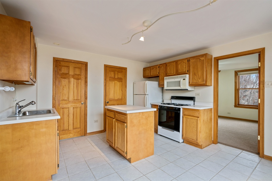Real Estate Photography - 5317 N McVicker Ave, Chicago, IL, 60630 - Kitchen
