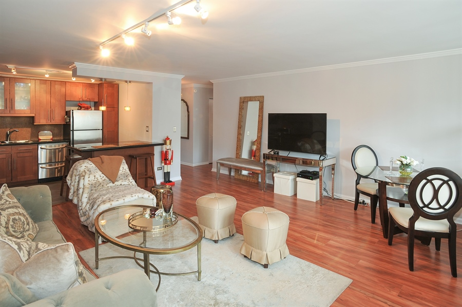 Real Estate Photography - 400 E Randolph St., 2124, Chicago, IL, 60601 - Living Room/Dining Room