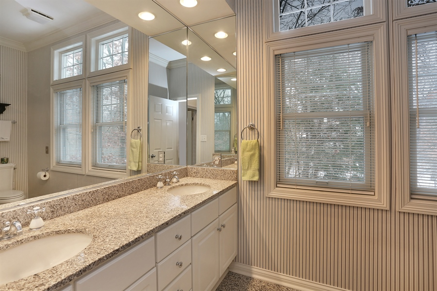 Real Estate Photography - 18459 Dunecrest Drive, 32, New Buffalo, MI, 49117 - Master Bathroom