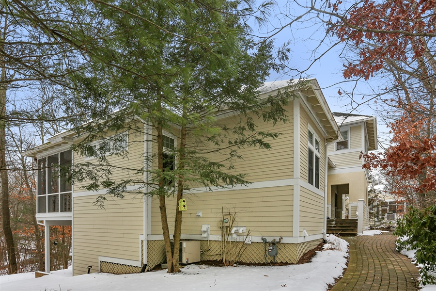 Real Estate Photography - 18459 Dunecrest Drive, 32, New Buffalo, MI, 49117 - Front View