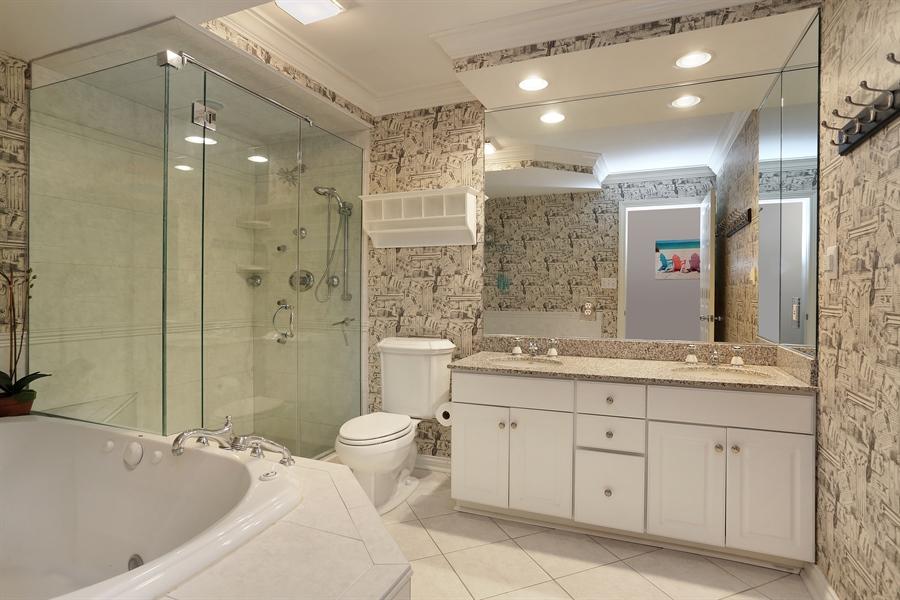 Real Estate Photography - 18459 Dunecrest Drive, 32, New Buffalo, MI, 49117 - Bathroom