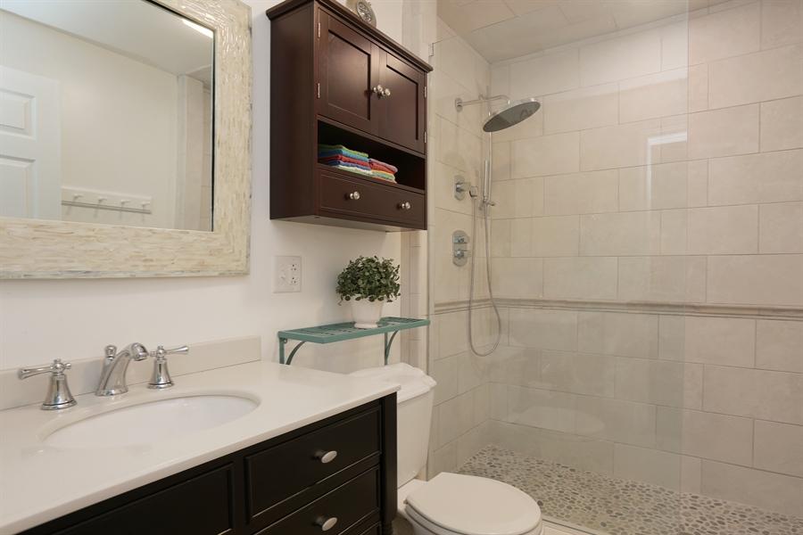 Real Estate Photography - 18459 Dunecrest Drive, 32, New Buffalo, MI, 49117 - 2nd Bathroom