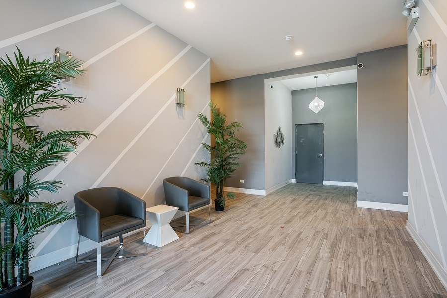 Real Estate Photography - 1317 N. Larrabee, #205, Chicago, IL, 60610 - Lobby