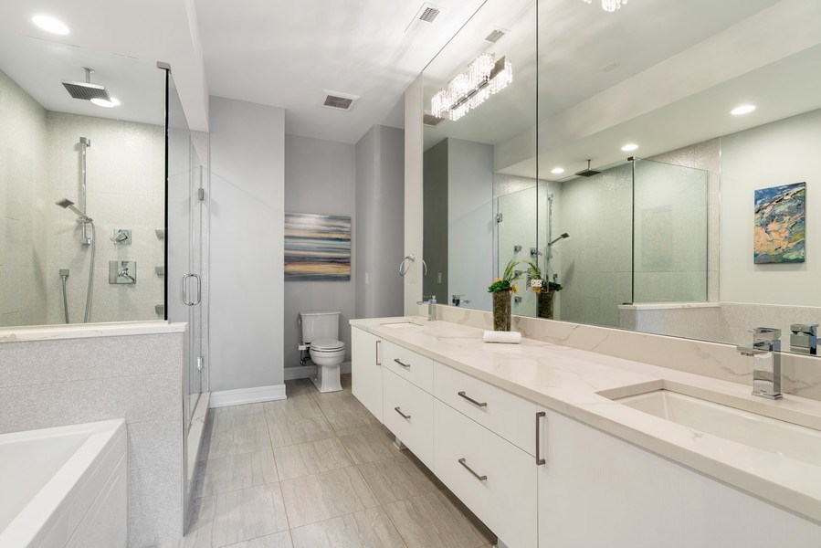Real Estate Photography - 1317 N. Larrabee, #205, Chicago, IL, 60610 - Master Bathroom