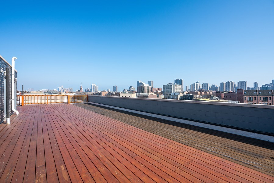 Real Estate Photography - 1317 N. Larrabee, #205, Chicago, IL, 60610 - Roof Deck