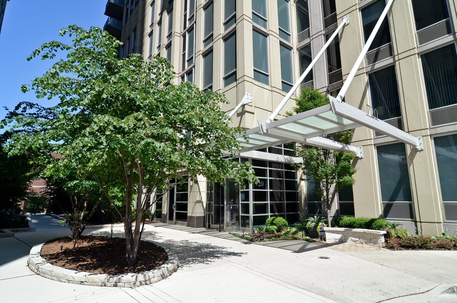 Real Estate Photography - 720 N. Larrabee, #1708, Chicago, IL, 60654 - Front View
