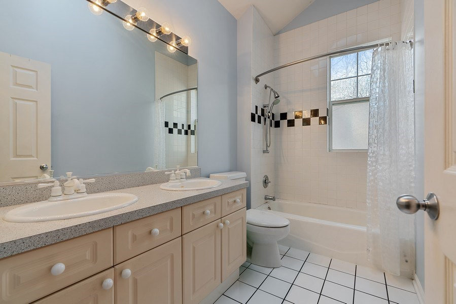 Real Estate Photography - 1524 N North Park Ave, Chicago, IL, 60610 - 3rd Bathroom