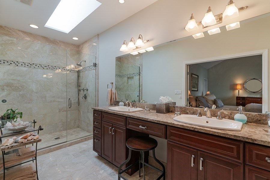 Real Estate Photography - 1524 N North Park Ave, Chicago, IL, 60610 - Master Bathroom