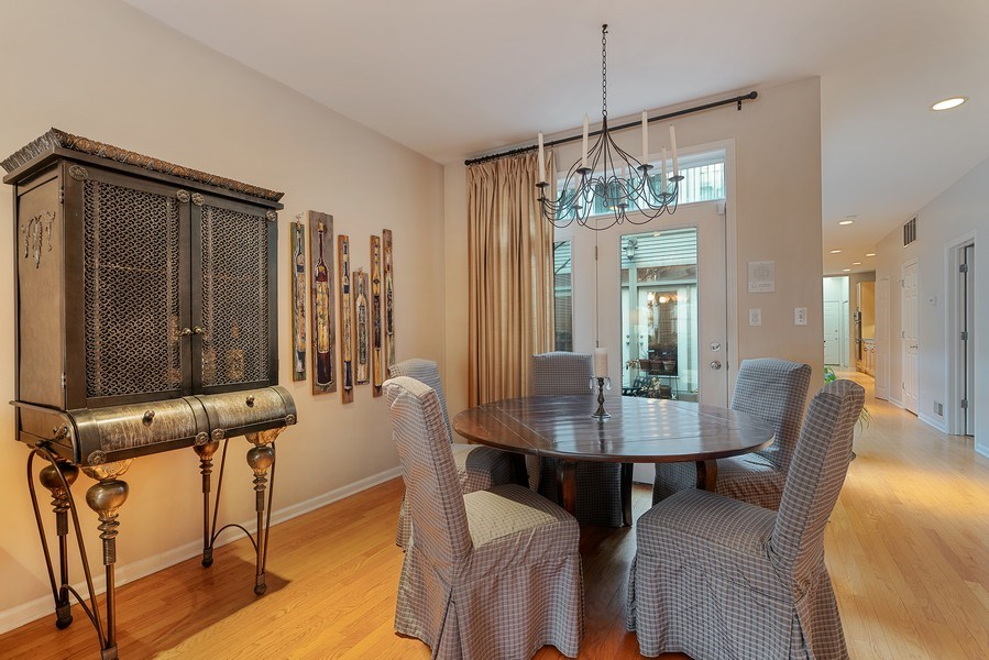 Real Estate Photography - 1524 N North Park Ave, Chicago, IL, 60610 - Dining Room