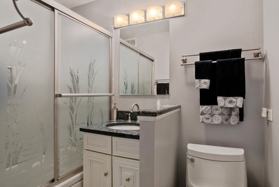 Real Estate Photography - 400 E Randolph St, Unit 3605, Chicago, IL, 60601 - Bathroom