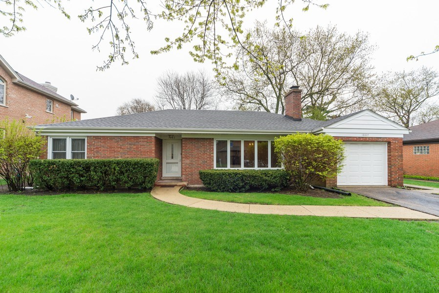Real Estate Photography - 1887 Fenton Lane, Park Ridge, IL, 60068 - Front View