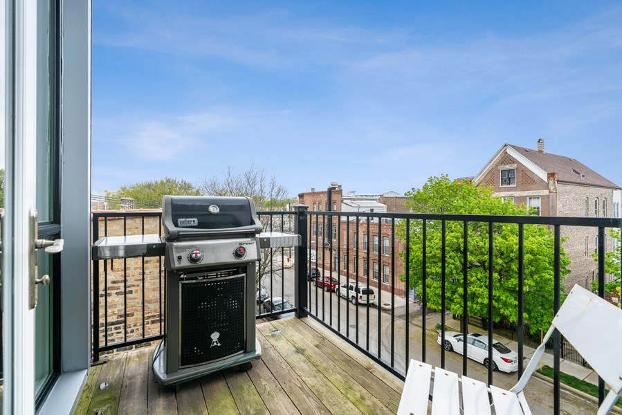 Real Estate Photography - 2343 W. Lyndale, #3, Chicago, IL, 60647 - Deck