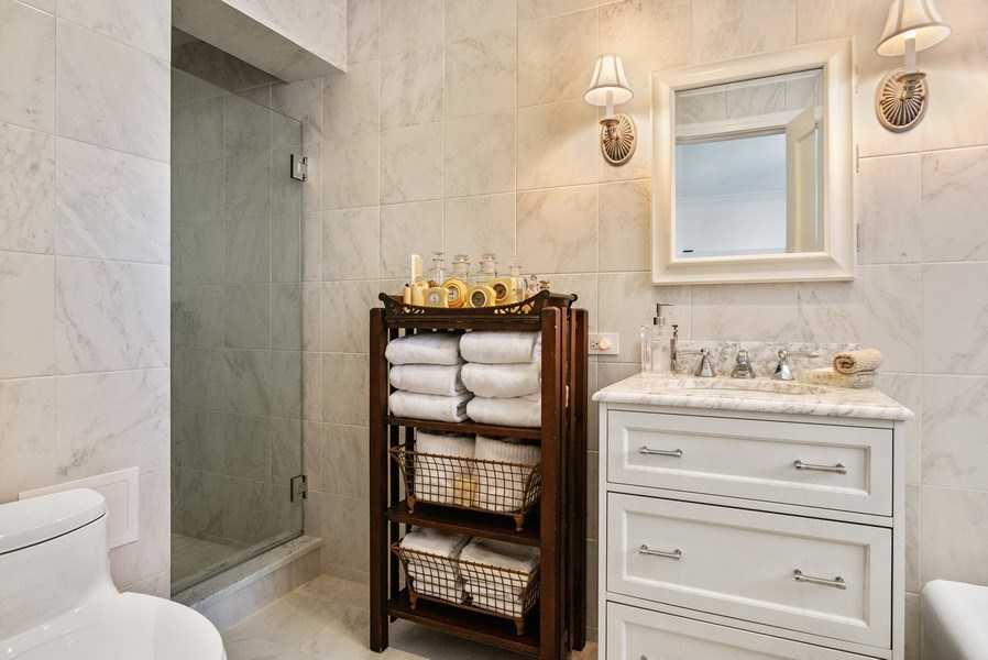Real Estate Photography - 2440 Lakeview Ave, 12F, Chicago, IL, 60614 - Master Bathroom