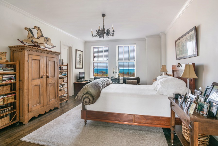 Real Estate Photography - 2440 Lakeview Ave, 12F, Chicago, IL, 60614 - Master Bedroom