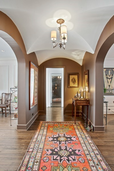 Real Estate Photography - 2440 Lakeview Ave, 12F, Chicago, IL, 60614 - Foyer