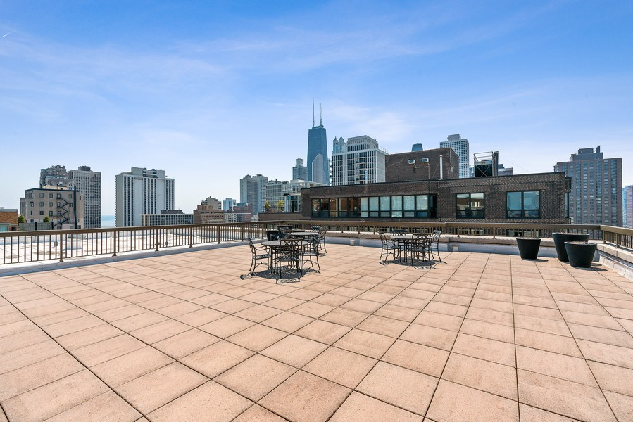 Real Estate Photography - 1301 N. Dearborn, #903-4, Chicago, IL, 60610 - Roof Deck