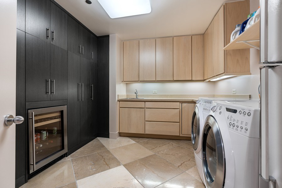 Real Estate Photography - 1301 N. Dearborn, #903-4, Chicago, IL, 60610 - Laundry Room