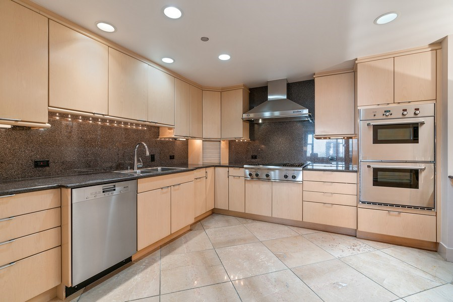 Real Estate Photography - 1301 N. Dearborn, #903-4, Chicago, IL, 60610 - Kitchen