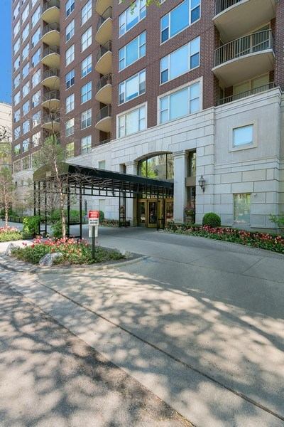 Real Estate Photography - 1301 N. Dearborn, #903-4, Chicago, IL, 60610 - Front View