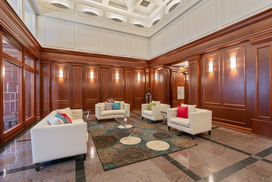 Real Estate Photography - 212 W.Washington, #1910, Chicago, IL, 60606 - Lobby