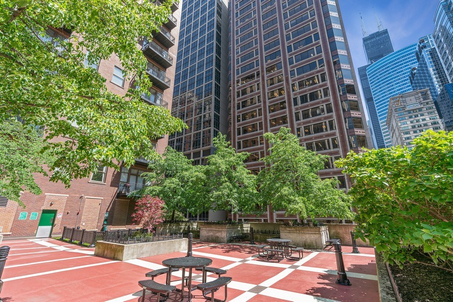 Real Estate Photography - 212 W.Washington, #1910, Chicago, IL, 60606 - Terrace