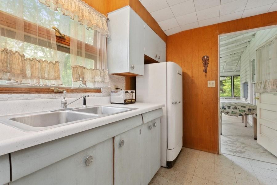 Real Estate Photography - 8691 Thomas Road, Lakeside, MI, 49116 - Kitchen