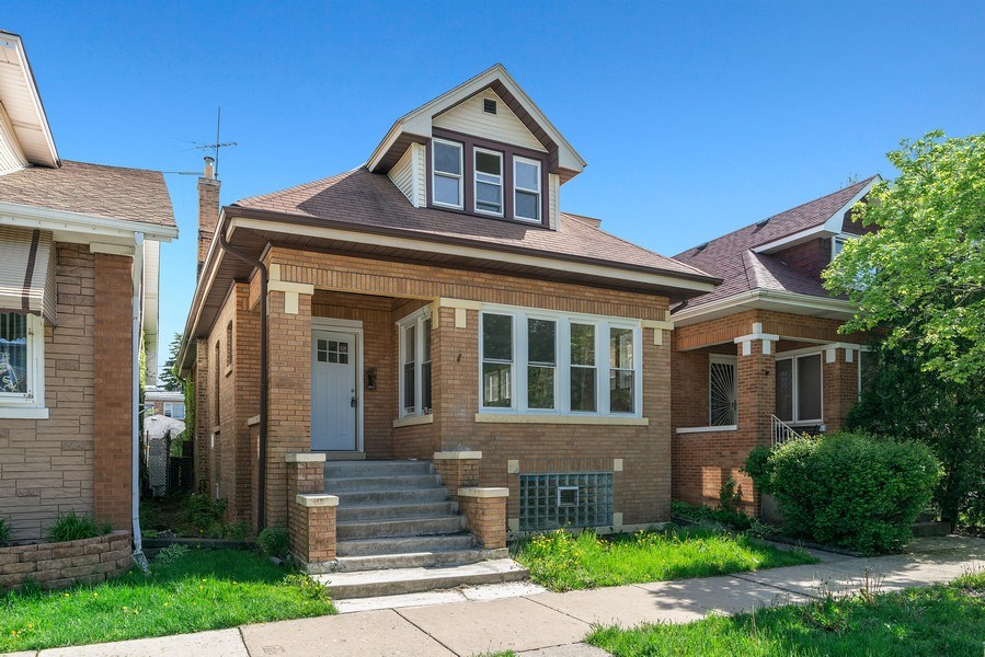 Real Estate Photography - 5153 W. Warwick, Chicago, IL, 60641 - Front View