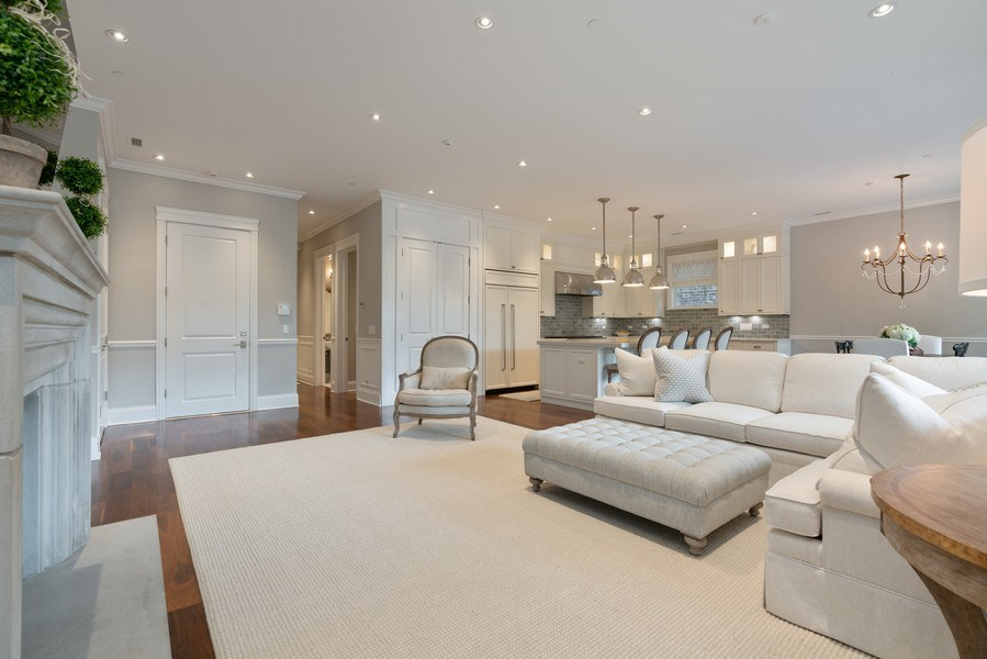 Real Estate Photography - 731 W. Melrose, #2, Chicago, IL, 60657 - Living Room