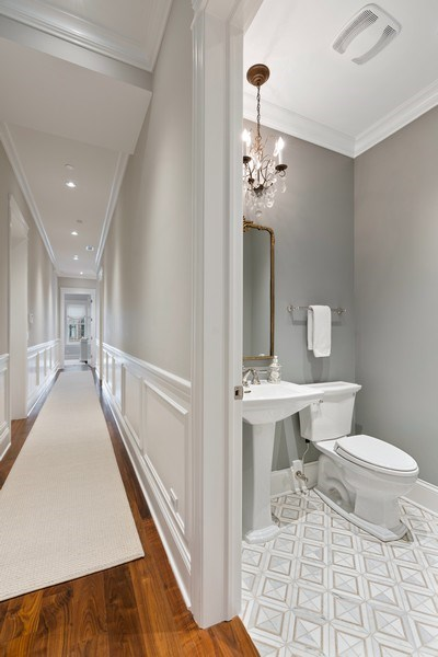Real Estate Photography - 731 W. Melrose, #2, Chicago, IL, 60657 - Hallway