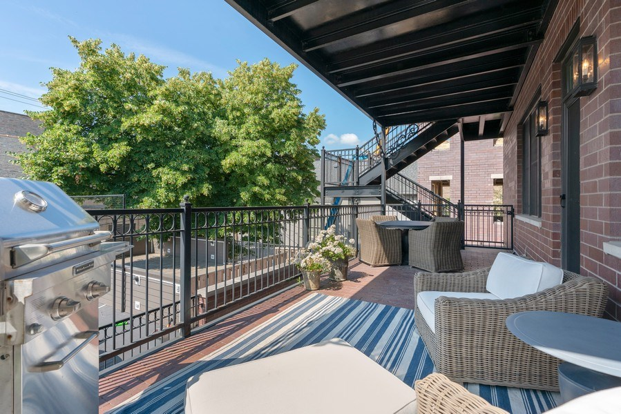 Real Estate Photography - 731 W. Melrose, #2, Chicago, IL, 60657 - Deck