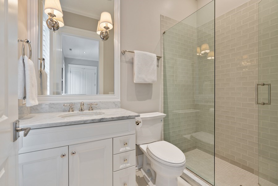 Real Estate Photography - 731 W. Melrose, #2, Chicago, IL, 60657 - 2nd Bathroom