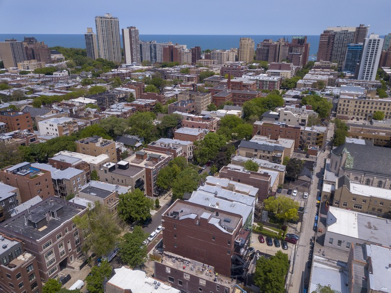 Real Estate Photography - 731 W. Melrose, #2, Chicago, IL, 60657 -